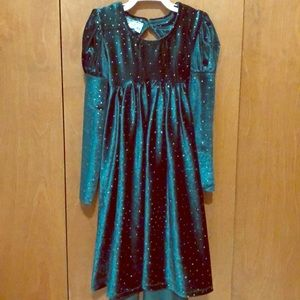 Other - Long sleeve Emerald dress.